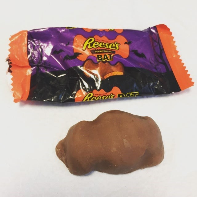 Food - Reeses PEANUT BUTT BAT