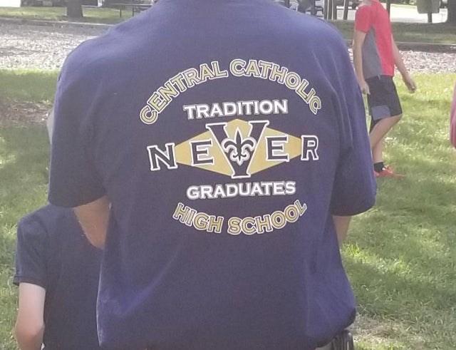 T-shirt - CATHOLIA INTRAL NE ER TRADITION GRADUATES GH SCHOO