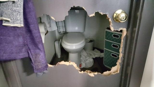 Toilet - 0 00 Coldot