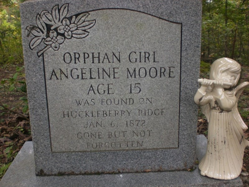 Headstone - ORPHAN GIRL ANGELINE MOORE AGE 15 WAS FOUND ON HUCKLEBERRY RIDGE JAN 6, 1872 GONE BUT NOT FORGOTTEN