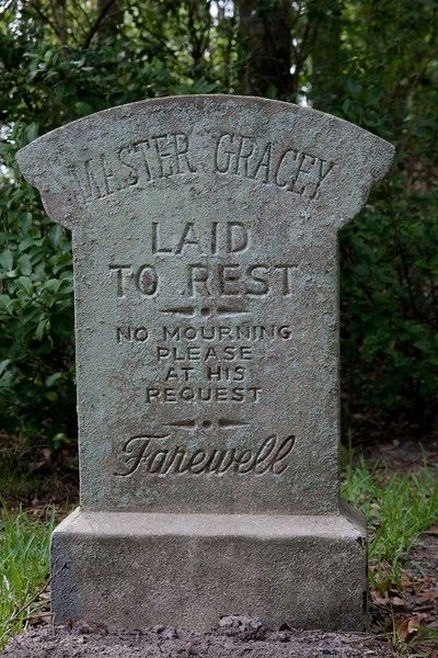 Headstone - ISA GRACEY LAID TO FEST NO MOURNING PLEASE AT HIS RECUEST Fanenell