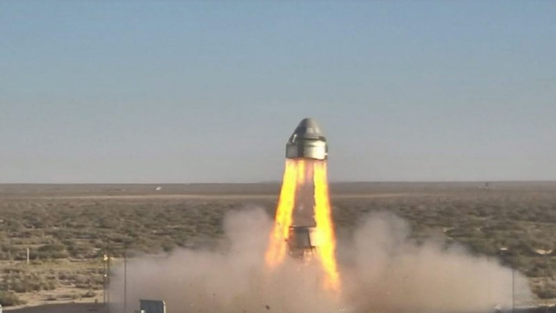 picture boeing starliner launching from new mexico desert