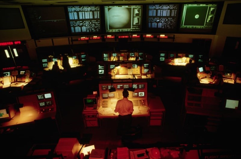 photo of control room in pasadena 2007 voyager 2 passed close to sun