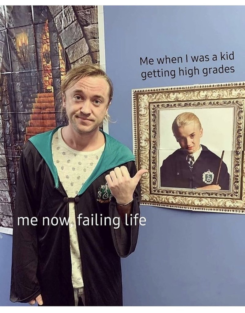 History - Me when I was a kid getting high grades dibwibsai me now failing life