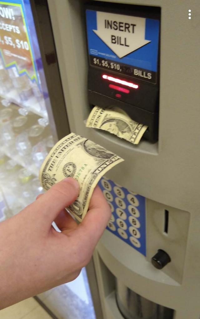 Machine - W! tsaTS 55,$10 INSERT BILL $1,$5,$10,BILLS ONET TES O 3678 A