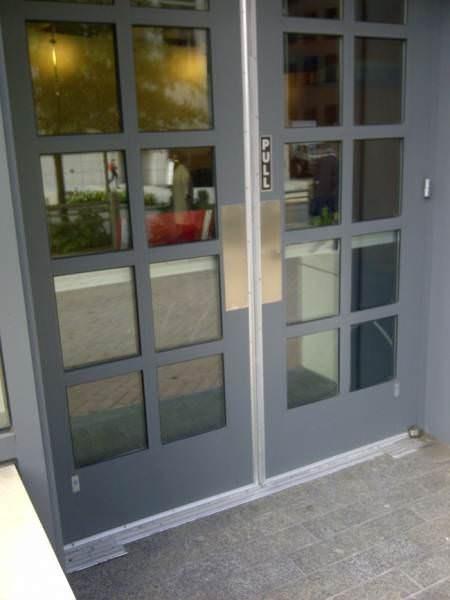 Door - PULL