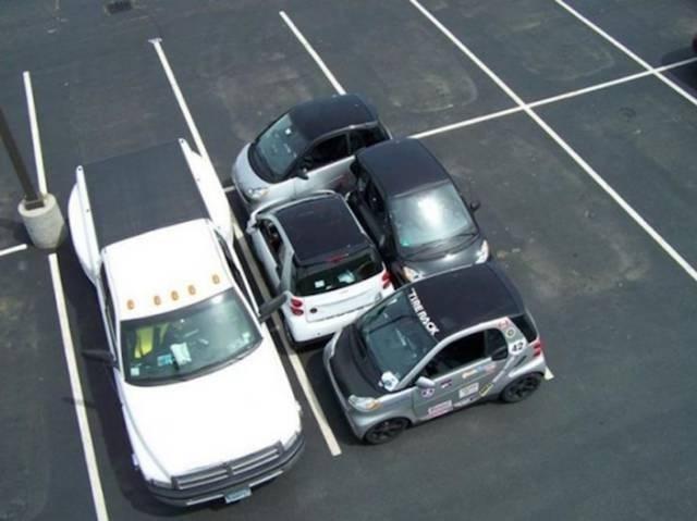 Motor vehicle - TIRE RACK