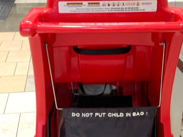 Vehicle - WARNGE ViA s w Fence DO NOT PUT CHILD IN BAO