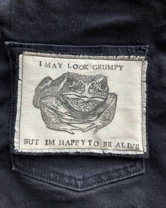 Pocket - IMAY LOOK GRUMPY BUT IM HAPPY TO BE ALIVE MARMAAMA