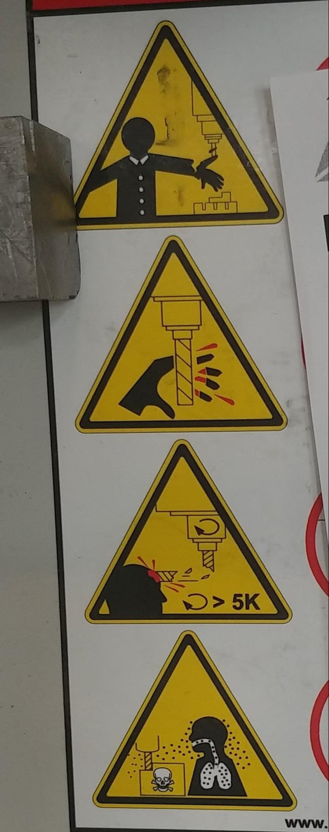 Traffic sign - D> 5K www.