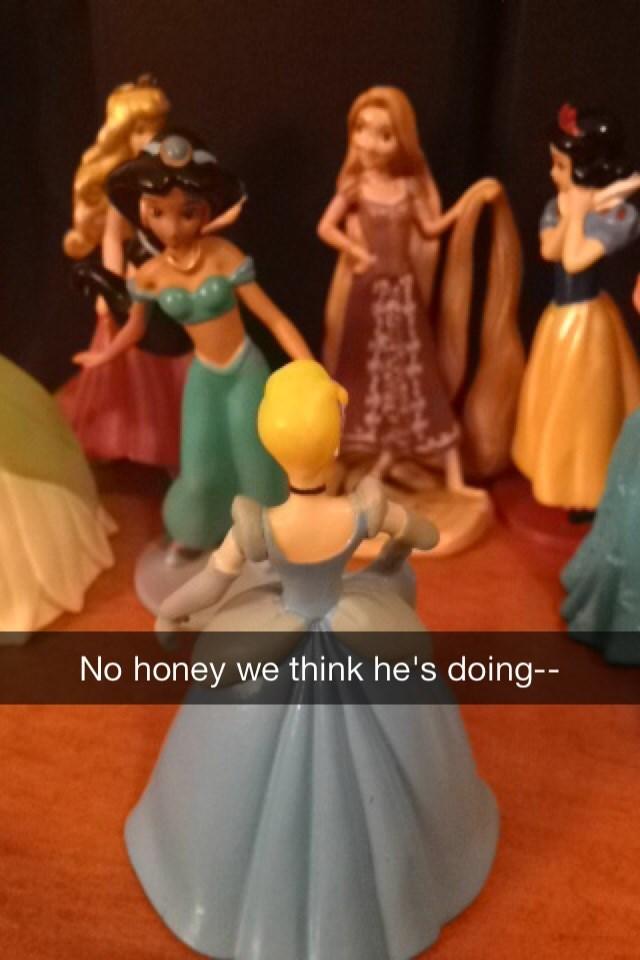 Figurine - No honey we think he's doing-- 4