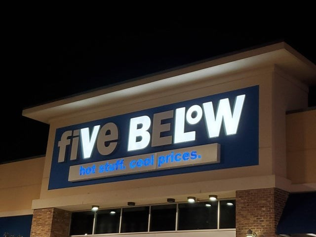 Font - five BELOW hot st ff coolprices.