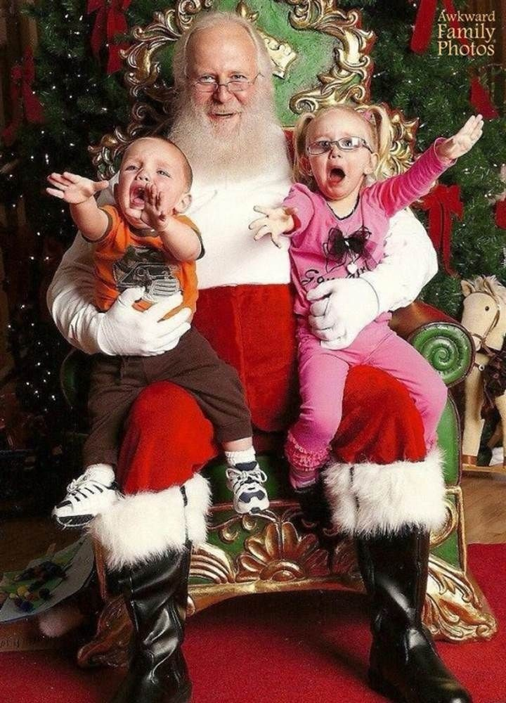 Santa claus - Awkward Family Photos