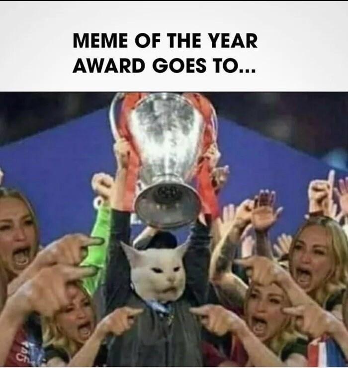 الأشخاص - تذهب جائزة MEME OF THE YEAR إلى ... تشي
