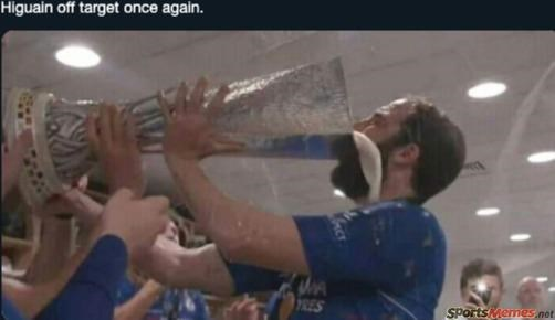 Higuain off target once again. 7RES SPortsMemes not