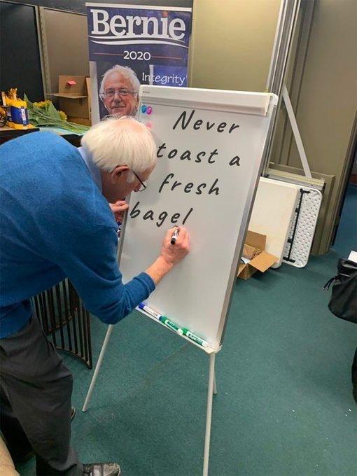 Games - Bernie 2020 Integrity Never toast a fresh bagel