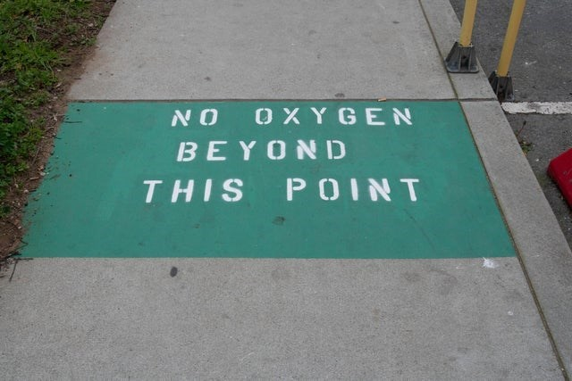 Green - NO OXYGEN BEYOND THIS POINT