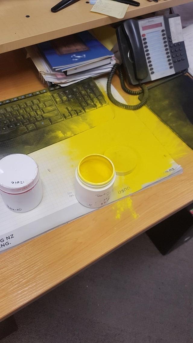 Yellow - 0900 G NZ NG. 00000000 0000