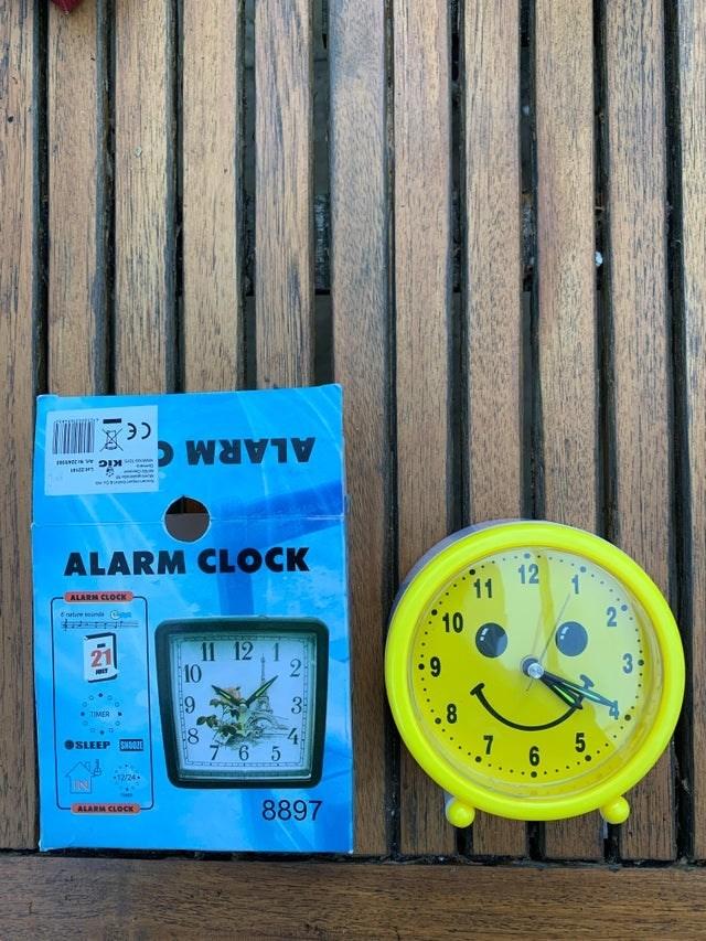 Blue - ALARM C ALARM CLOCK 12 11 ALARM CLOCK 10 E nature eunda Cen 11 12,1 10 6: 3 TIMER .? 6 5. OSLEEP SNOIE 76 5 12/24 IN 8897 ALARM CLOCK