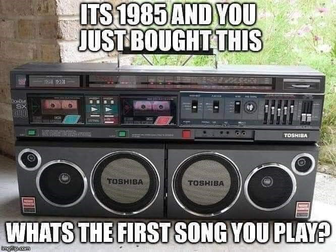 Boombox - ITS 1985 AND YOU JUST BOUGHT THIS TOSHIBA TOSHIBA TOSHIBA WHATS THE FIRST SONG YOU PLAY? Ingilipcom