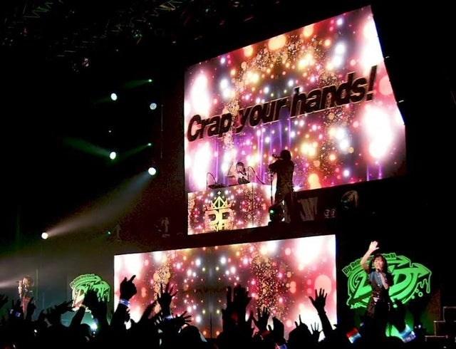 Performance - Crapyour hands!