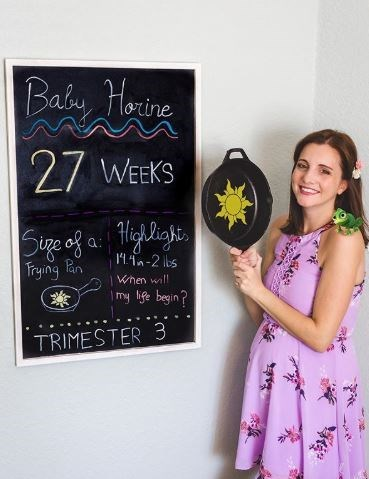 Blackboard - Baby Harine 27 WEEKS Sige of a ighligi, Trying Bn Pan 11.1n-2 lbs When will | my lige begin? TRIMESTER 3