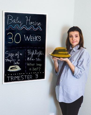 Blackboard - Baby Horine 30 WEEKS Sige of a Highlighi, Stapler Q: I57 in-31bs in Jello What baby 6 best? iS TRIMESTER 3