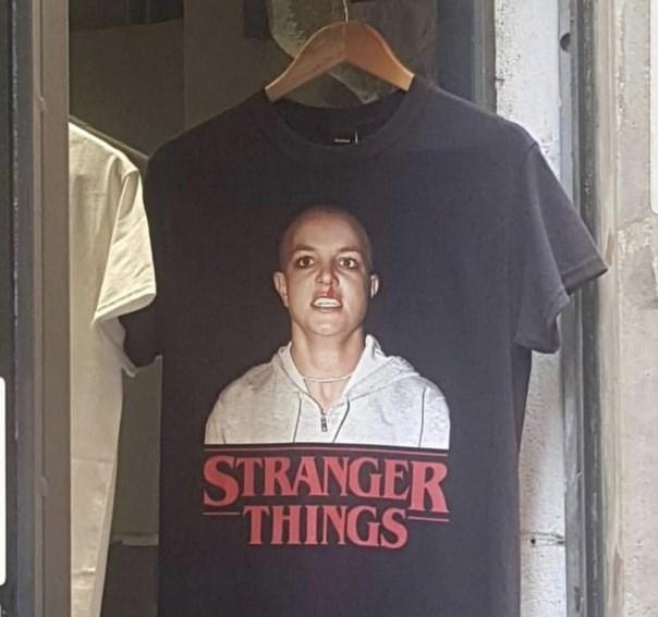 T-shirt - STRANGER THINGS