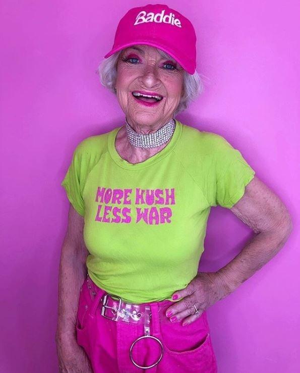 Pink - Baddie MORE KUSH LESS HAR