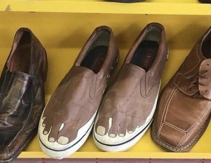 Footwear - Dexters