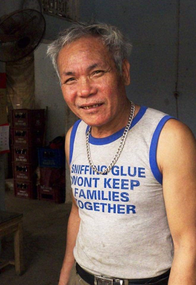 Sleeveless shirt - BAMMY SNIFFIN GLUE WONT KEEP FAMILIES OGETHER SAMY