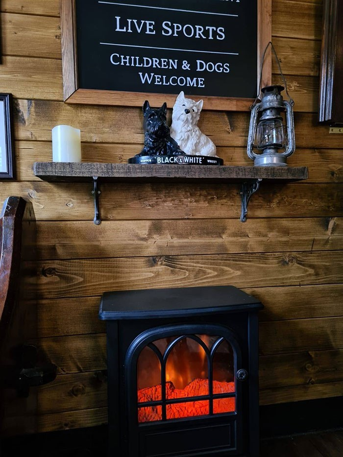 Hearth - LIVE SPORTS CHILDREN & DOGS WELCOME BLACK&WHITE'