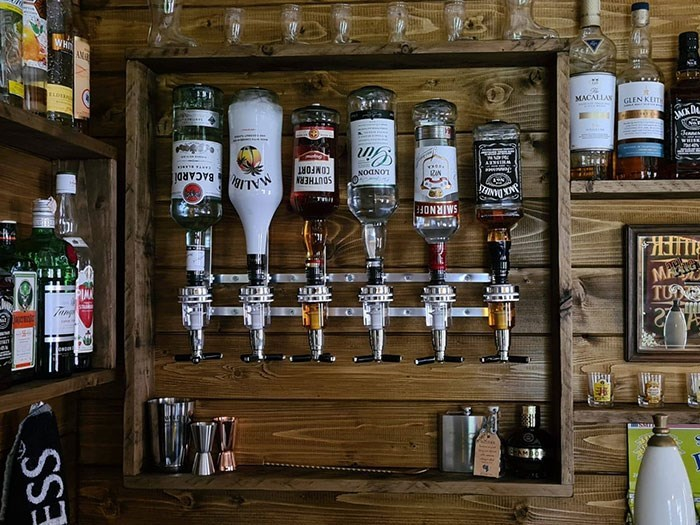 Alcohol - WHI AN MACALLAN GLEN KEIT JMK D WHIEE COMFORT SOUTHERN NOANOT RIN BACARDÍ SMIRNOFEF TUN