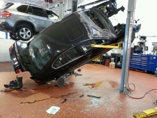 Motor vehicle - TARYE