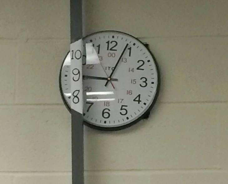 Clock - 12 10 11 00 13 .2' ITO 14 15 16 20 17 4. 18 6 5