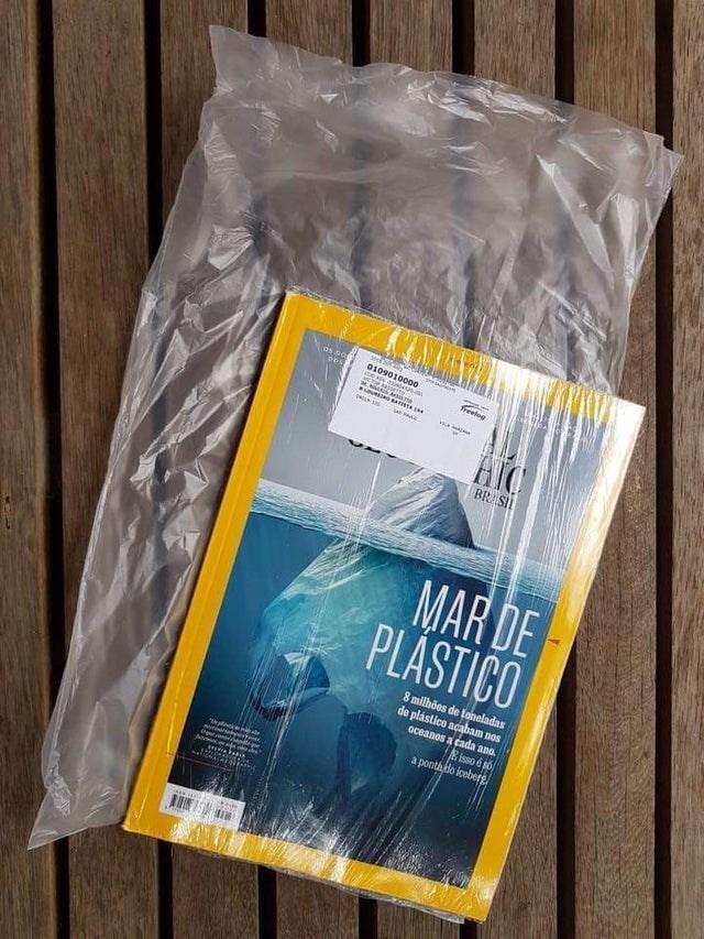 Material property - Os Da freelog BR SII MAR DE PLÁSTICO 8 milhöes de toneladas de plástico acabam nos oceanos a cada ano. isso é s6 a pontado iceberg Og