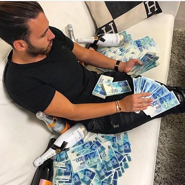 Cash - 200 MUET 200 200 20 200 200 MOFT 200 200 200 200 200
