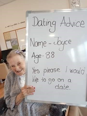 Text - Jating Advce Nome -cbyce Age- 88 Yes please / would ike to go on a date.