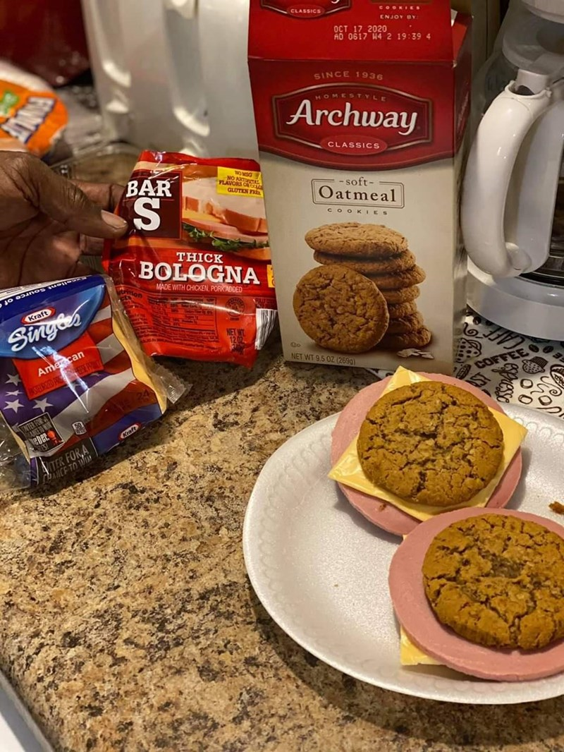 Food - CLASSICS COOKIES ENJOY BY OCT 17 2020 AD 0617 44 2 19:39 4 SINCE 1936 HOMESTYLE Archway CLASSICS BAR S. NO MSG NO AN IO YLAVORS GLUTEN FR - soft- Oatmeal CO OK IES THICK BOLOGNA llent Source of MADE WITH CHICKEN, PORKADDED Kraft Singes Amecan NET WT 9.5 OZ (2699) IUSTERIZED PR SE P COFFE FOR A eber Kraft TER FOR A ANCE TO WI espuesso FOWUE