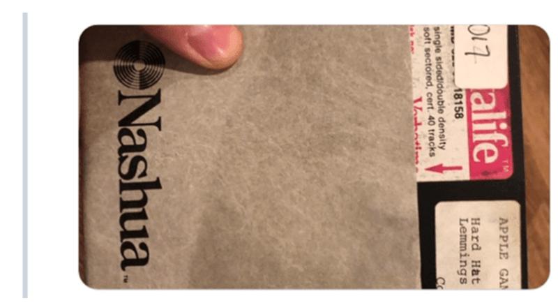 Text - APPLE GAN D17 alife Hard Hat Lemmings 18158 single sidedidouble density soft sectored, cert. 40 tracks Vabotin Nashua.