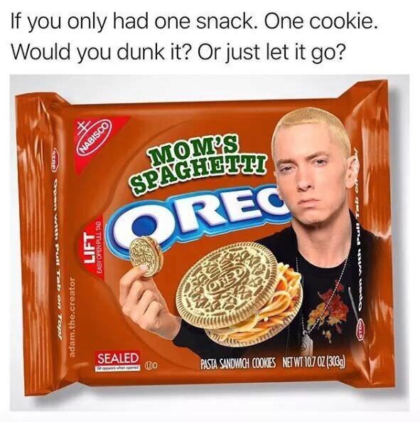 Food - If you only had one snack. One cookie. Would you dunk it? Or just let it go? MOM'S SPAGHETTI SOREC ORED SEALED PASTA SANDWICH COOKES NET WT 107 0Z (303g) ATOP) en th PuH Tab on Top! NABISCO LIFT adam.the.creator EASY OPEN PUL TAB o q Ln a M