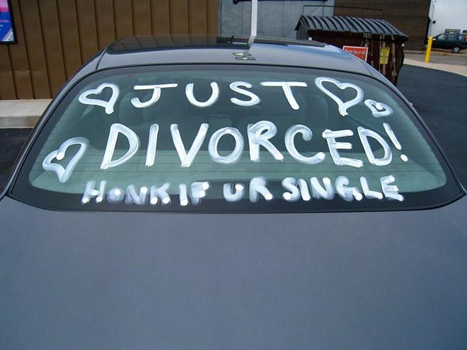 Motor vehicle - QJUSTP DIVORCED! HONKIF UR SINGLE
