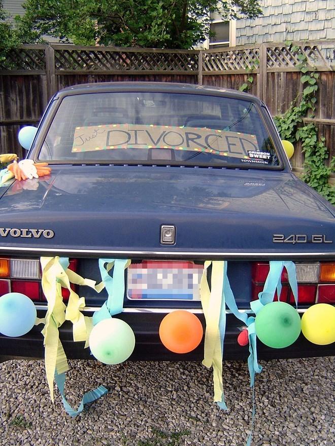Motor vehicle - DIVORCET Just ORIMBON TOWHSMEN VOLVO 240 GL