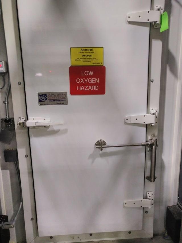 Fixture - Attention O d al Access dparsony whe hemninds WOCHER & LOW OXYGEN HAZARD enviro Cold Storege Doors