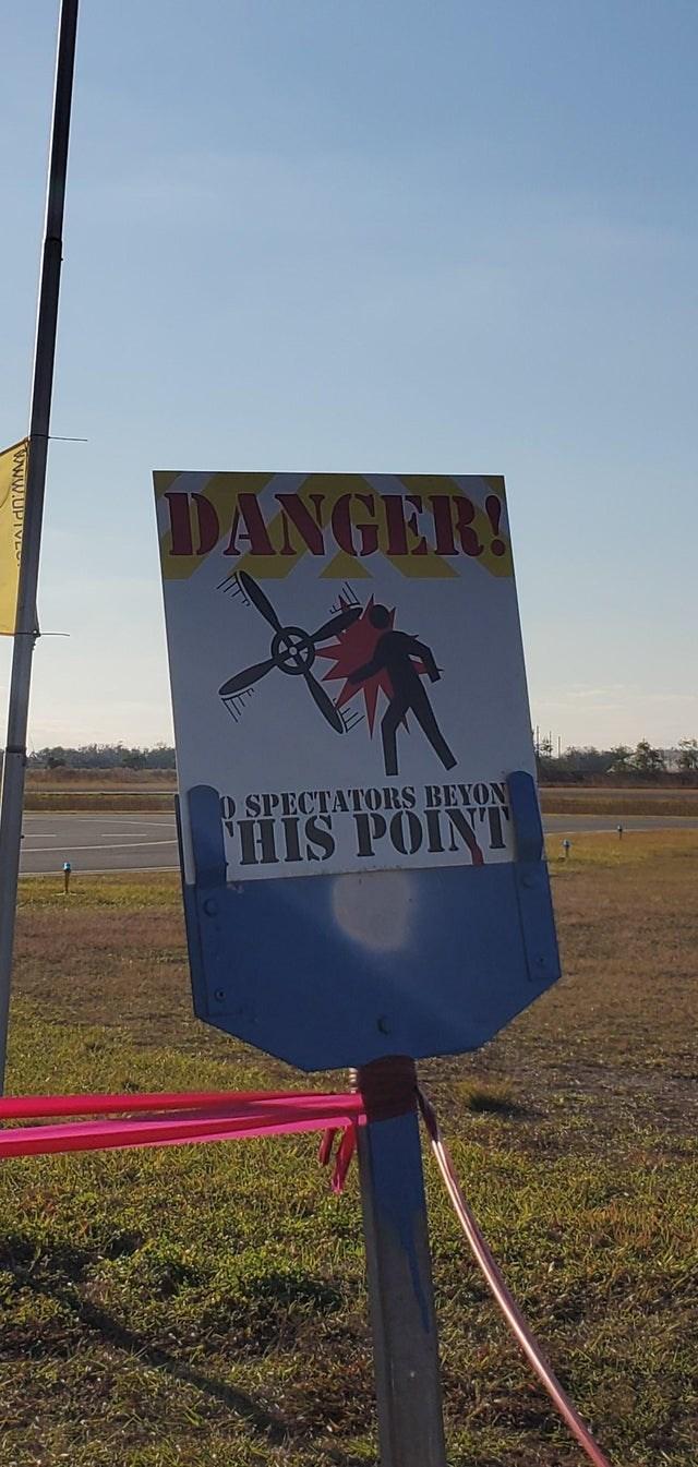 Sky - DANGER! O SPECTATORS BEYON HIS POINT www.UPIV