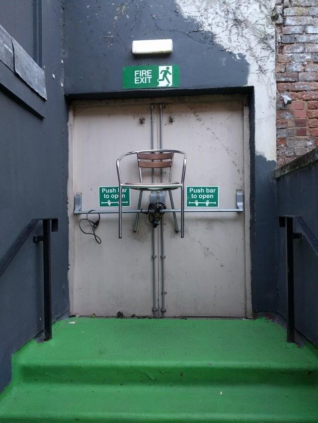 https://i.chzbgr.com/full/9593609472/hCFDC9859/fire-exit-push-iar-op-n-push-bar-open
