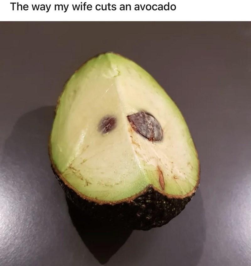 Food - The way my wife cuts an avocado