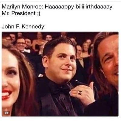 Smile - Marilyn Monroe: Haaaaappy biithdaaaay Mr. President ;) John F. Kennedy: GIF