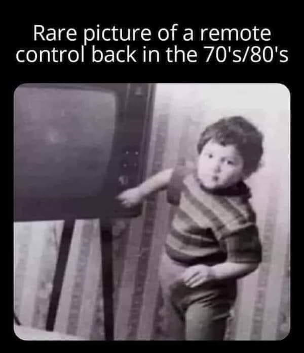 Gesture - Rare picture of a remote control back in the 70's/80's