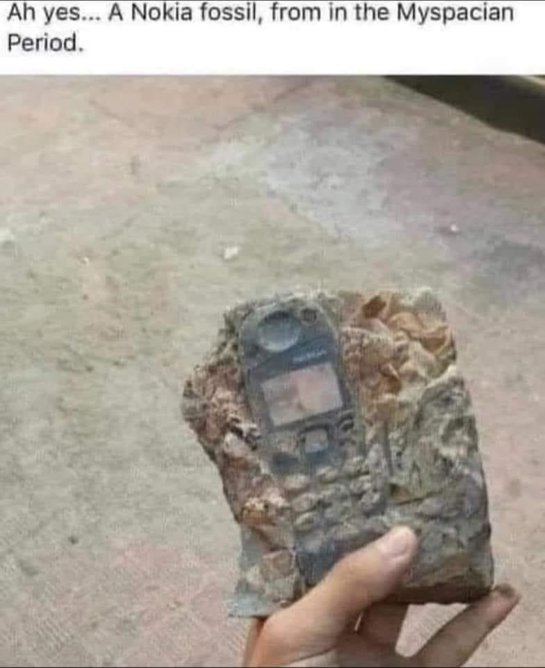 Camouflage - Ah yes... A Nokia fossil, from in the Myspacian Period.